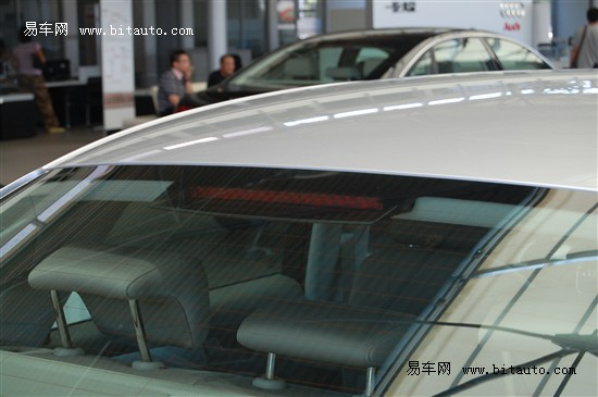 【高位制动灯】-汽车知识高清图片