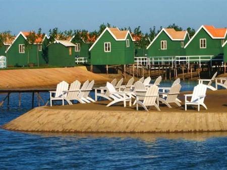月坨岛富有荷兰风情,目前正在建设具有异国风情的
