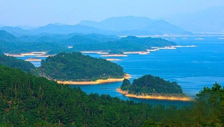 第一天:上海(上午出发)-淳安千岛湖镇(乘船游览b线:五龙岛,神龙岛