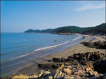 夏日宁波海滨推荐: 松兰山: 松兰山旅游度假区距象山滨海新城丹城仅9
