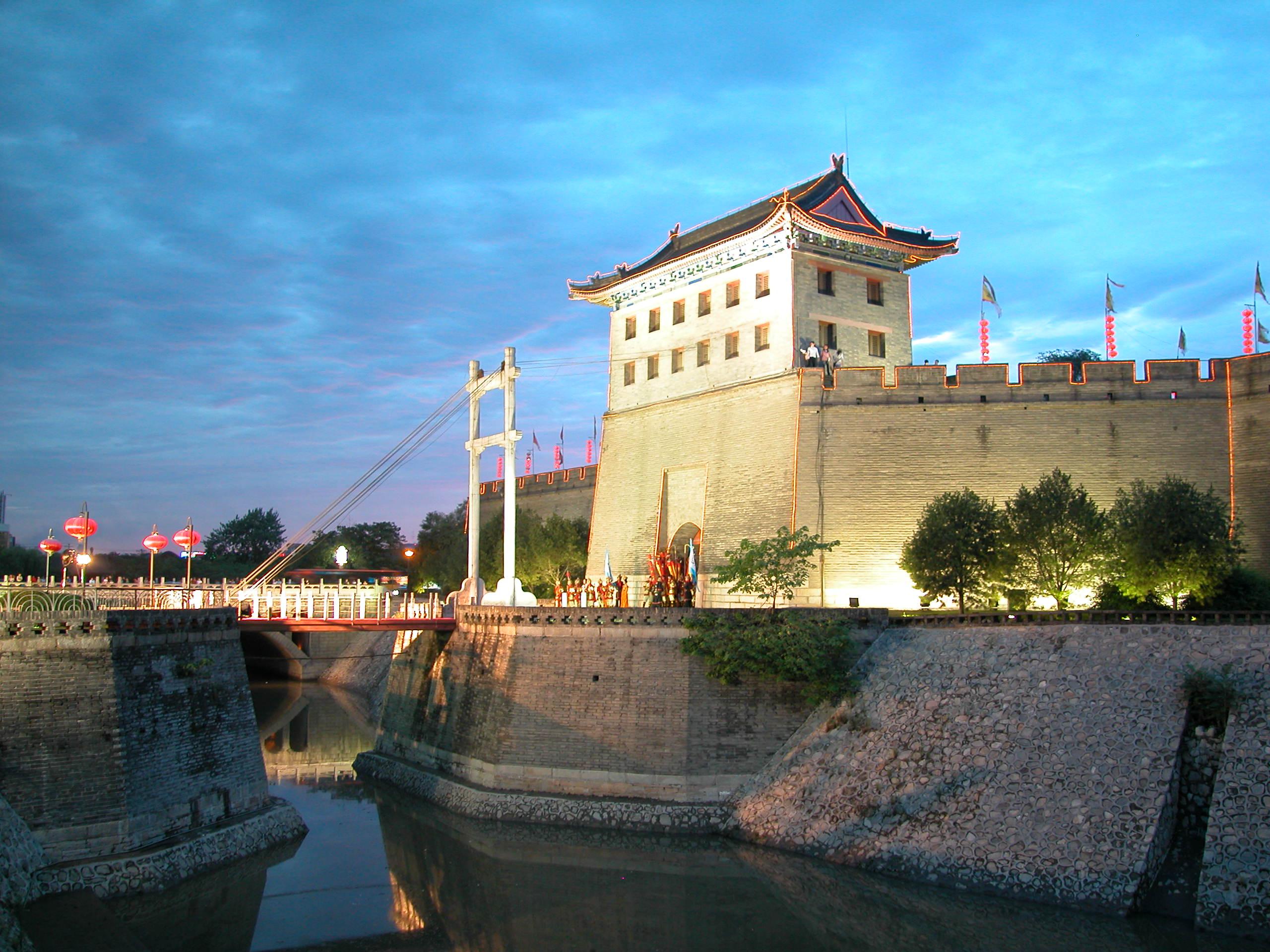 西安古城墙旅游景点介绍
